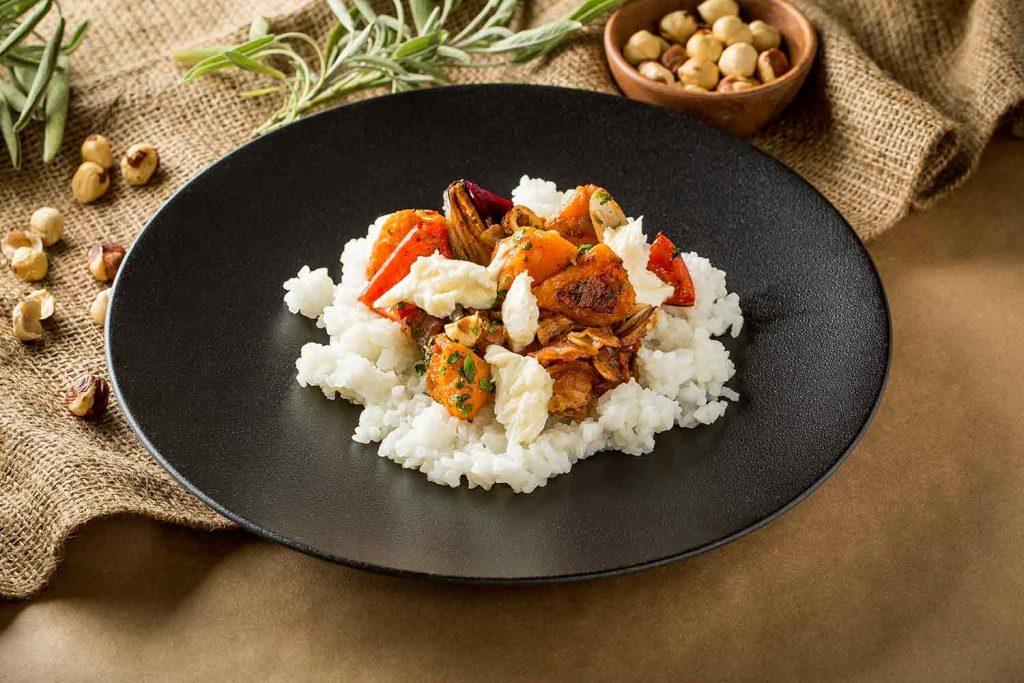 Zöldséges rizs buffalo sajttal